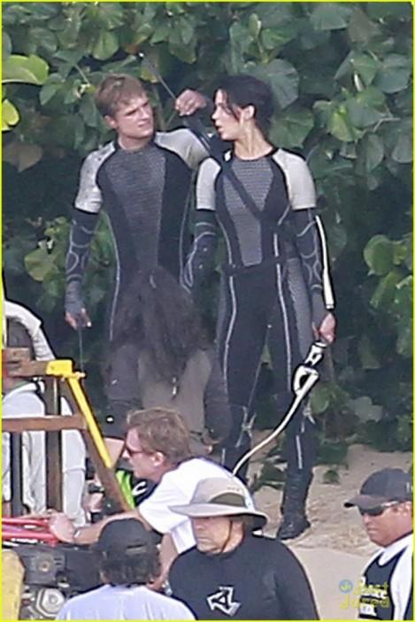 Jennifer Lawrence Josh Hutcherson Catching Fire Set Katniss Everdeen Peeta Mellark