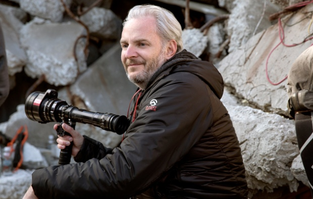 Francis Lawrence on Mockingjay set